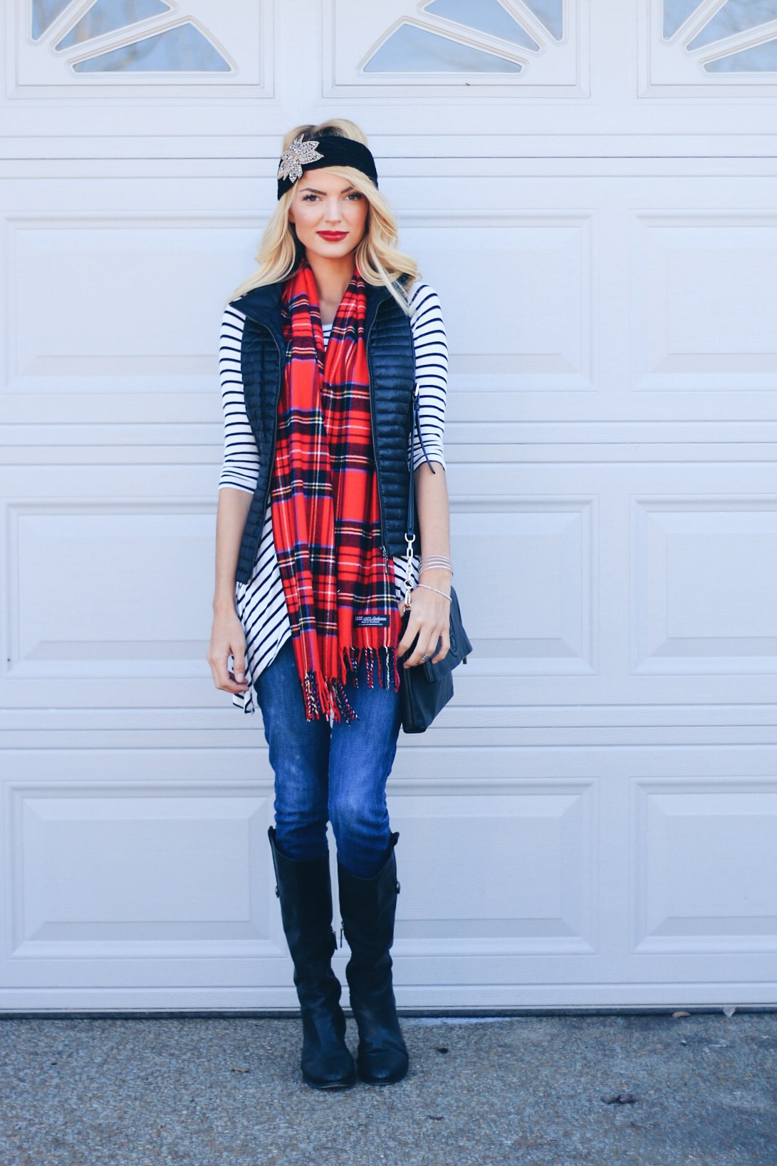 casual weekend outfit black vest airelle snyder